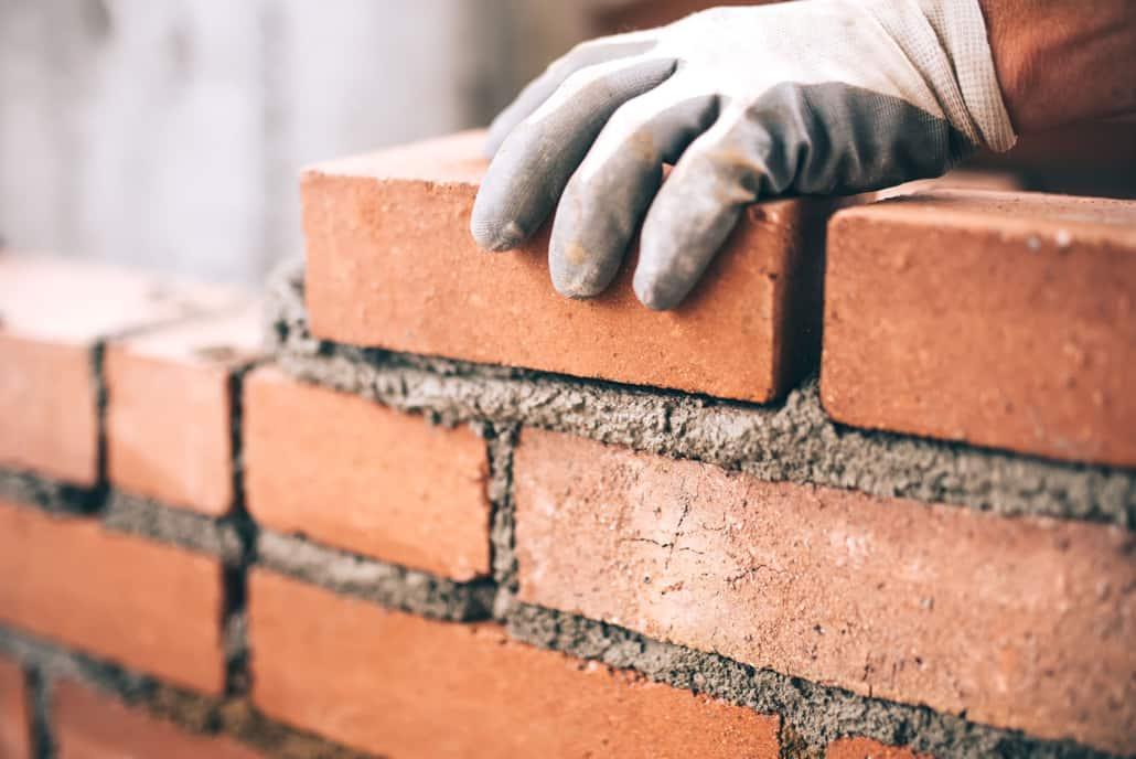 Nærbillede af lægning af mursten