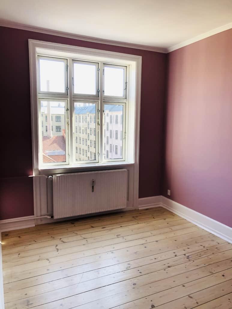 Pink vægge i lejlighed