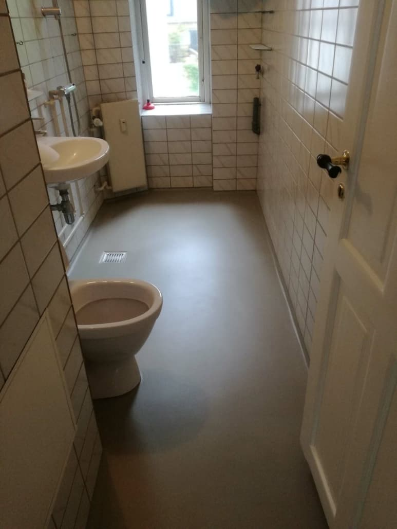 Renovering af gulv på badeværelse