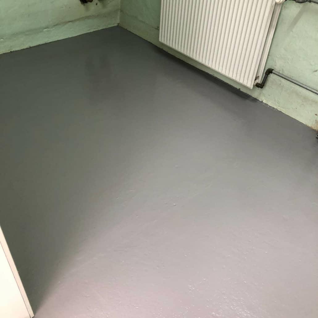 grå gulv